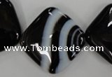 CAG2939 15.5 inches 25*25mm diamond black line agate beads